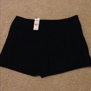NWT Express womens sz 00 black dress shorts casual